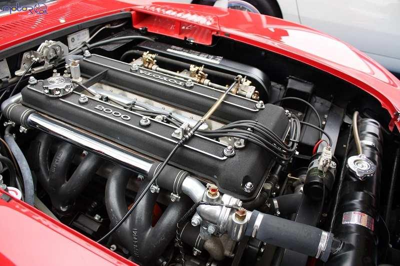 موتورهای شش سیلندر خطی